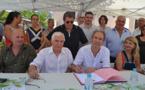 Au rendez-vous de la Foire de l'amandier d'Aregnu : inauguration puis signature de la Charte de la langue corse avec la Commune, le Comité syndical du Syndicat Mixte du Pays de Balagne et la FFRACC